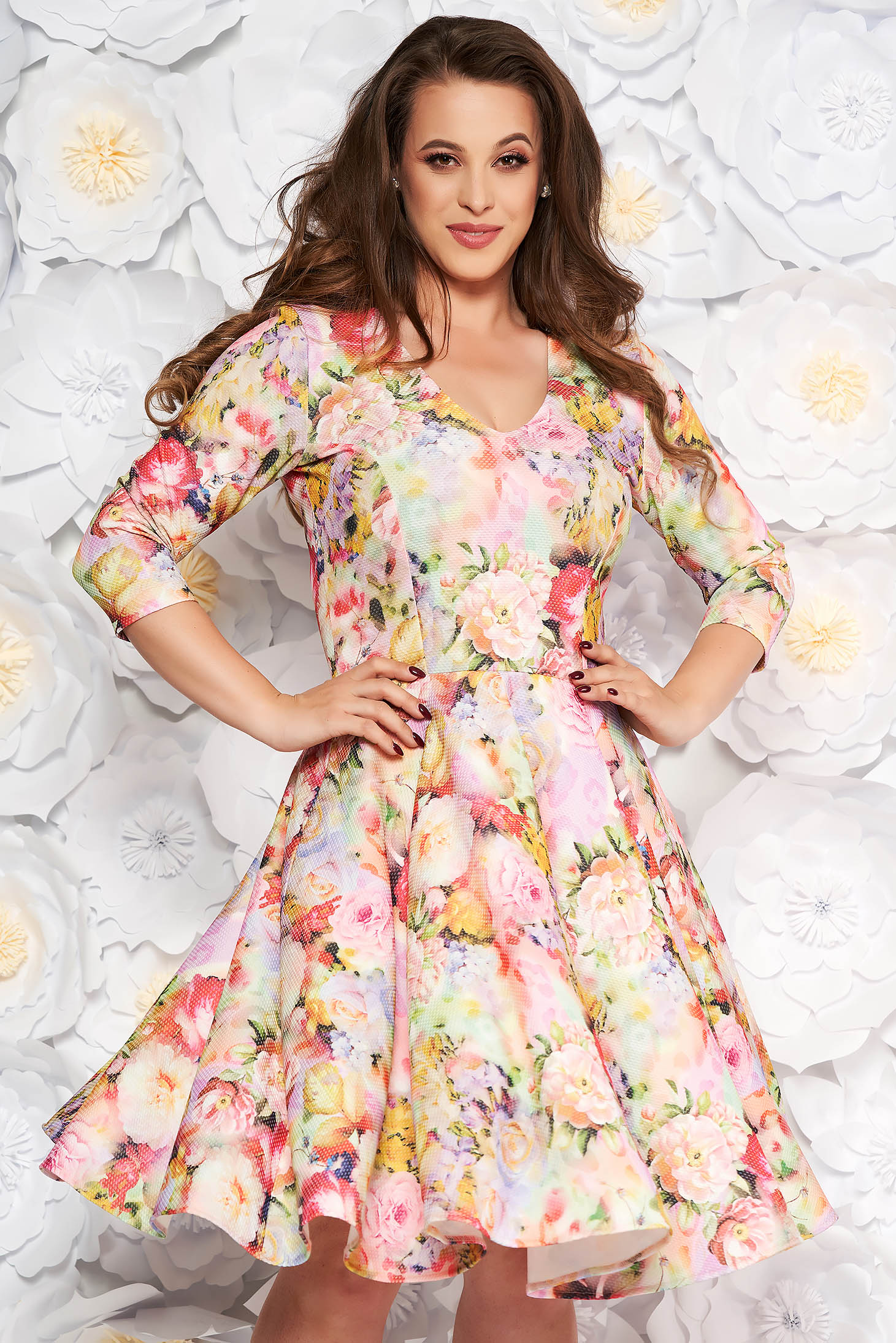 Rochie StarShinerS roz deschis de zi in clos din kotott cu maneci trei-sferturi si imprimeuri florale