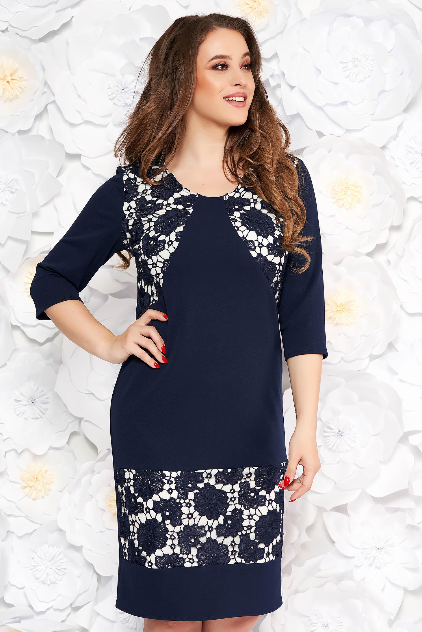 Rochie albastru-inchis eleganta cu un croi drept din material usor elastic cu aplicatii de dantela
